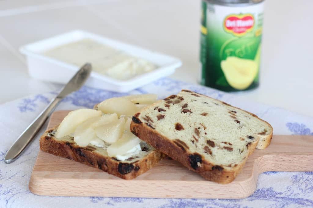 Lunchtime peer gorgonzola