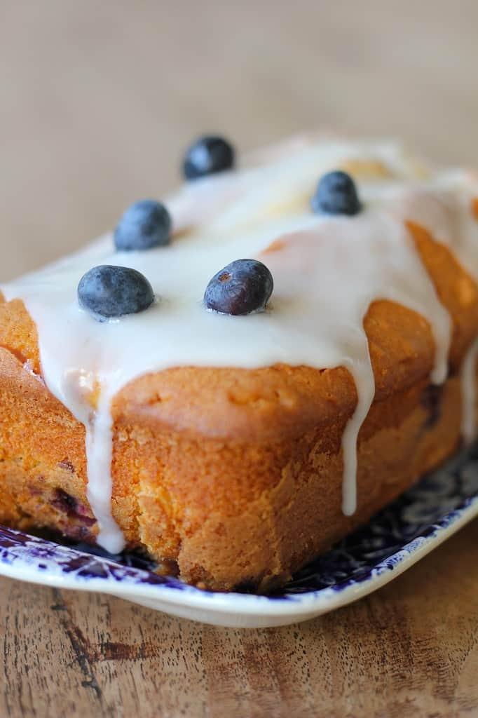 Cake met blauwe bessen en citroen   ENJOY! The Good Life