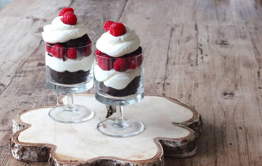 Framboos kladdkaka cheesecake trifle   ENJOY! The Good Life