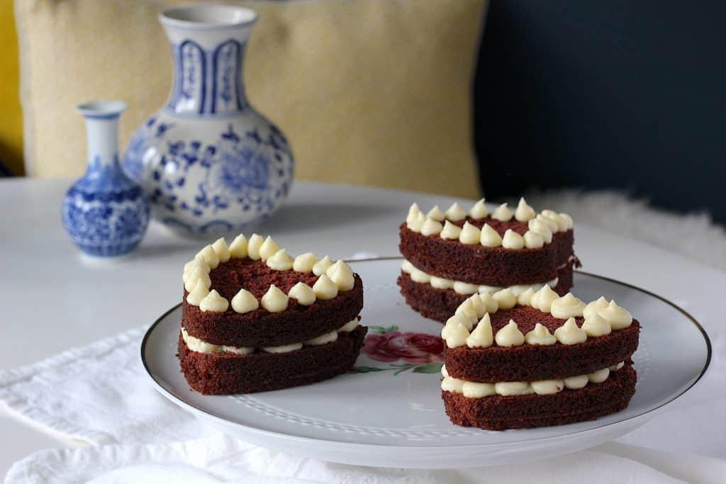 Red velvet hart taartjes, lekkers voor jouw Valentijn! | ENJOY! The Good Life