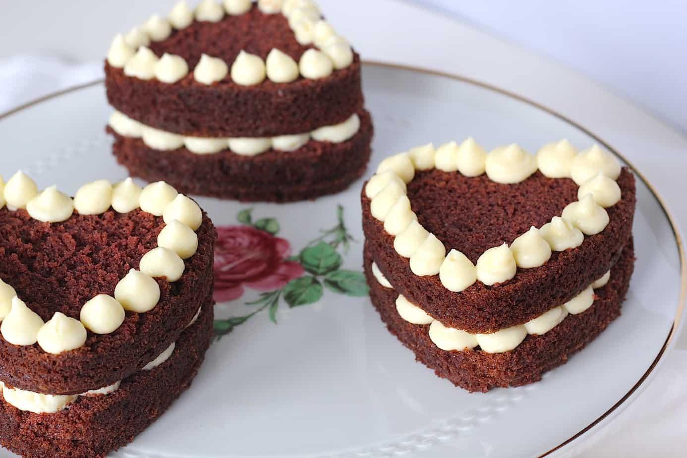 Red velvet hart taartjes, lekkers voor jouw Valentijn!